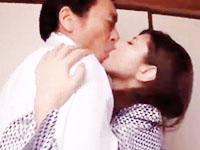 田淵正浩 温泉旅館で義父に迫られ夫への罪悪感をいだきながらも身体は敏感に反応して感じてしまう美人妻の禁断の不倫セックス 裏アゲサゲ女性向け無料AV動画