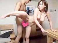 小田切ジュン 旦那のいない隙に自宅に男性を招いて不倫セックスの快感に身もだえちゃうイケナイ若妻 裏アゲサゲ女性のための無料H動画