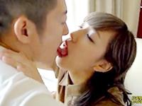 志戸哲也 景色の綺麗なリゾートホテルで年上彼氏と昼間から楽しそうにラブラブエッチを楽しんじゃうグラマラスな美人彼女 JavyNow女性のための無料H動画