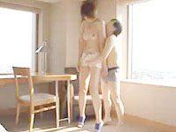 富田 自分より身長の高い彼女をしたから見上げながら愛撫しちゃう背の低い彼氏のセックス 青山沙希 erovideo女性のための無料H動画