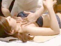 スタイル抜群な巨乳女性客の美BDOYを性感マッサージで感じさせて潮吹きさせちゃう男性セラピストの中出しセックス さとう遥希 erovideo女性のための無料H動画