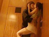 玉木玲 高級ホテルの部屋に入るなり彼氏とお互いを激しく求め合うセクシー美女の官能セックス さくらえな JavyNow女性向け無料AV動画