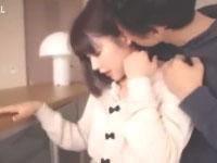 ムータン スレンダーなイケメン彼氏と見つめ合いながら優しくキスを交わす美少女の初々しいラブラブエッチ Pornhub女性向け無料AV動画