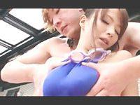 ウルフ田中 水泳教室の男性インストラクターとプールサイドで不倫エッチしちゃう大胆なモデル系美人妻 裏アゲサゲ女性専用安心安全無料エロ動画