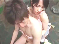 玉木玲 温泉に入る男性客の背中を流しながら巨乳を擦りつけて誘惑する痴女な女性従業員の大胆エッチ 裏アゲサゲ女性専用安心安全無料エロ動画